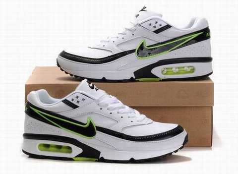 bottes pas cher, Chaussures Homme Nike Air Max Classic BW